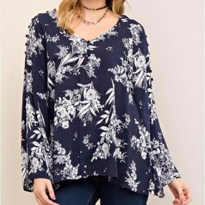 NWT Entro Floral Blouse w/ Bell Sleeves